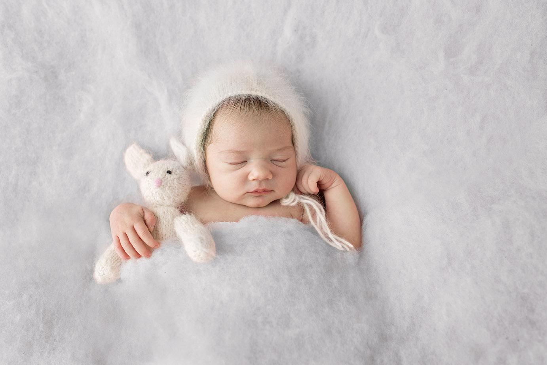 newborn-baby-girl-bunny-malibu_photography