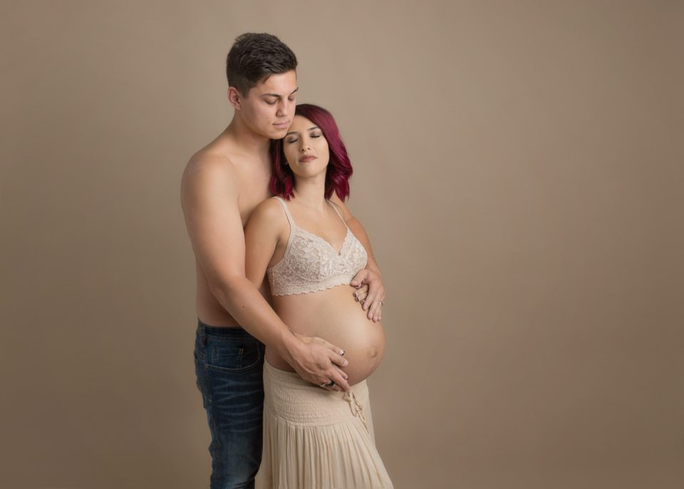 maternity-couple