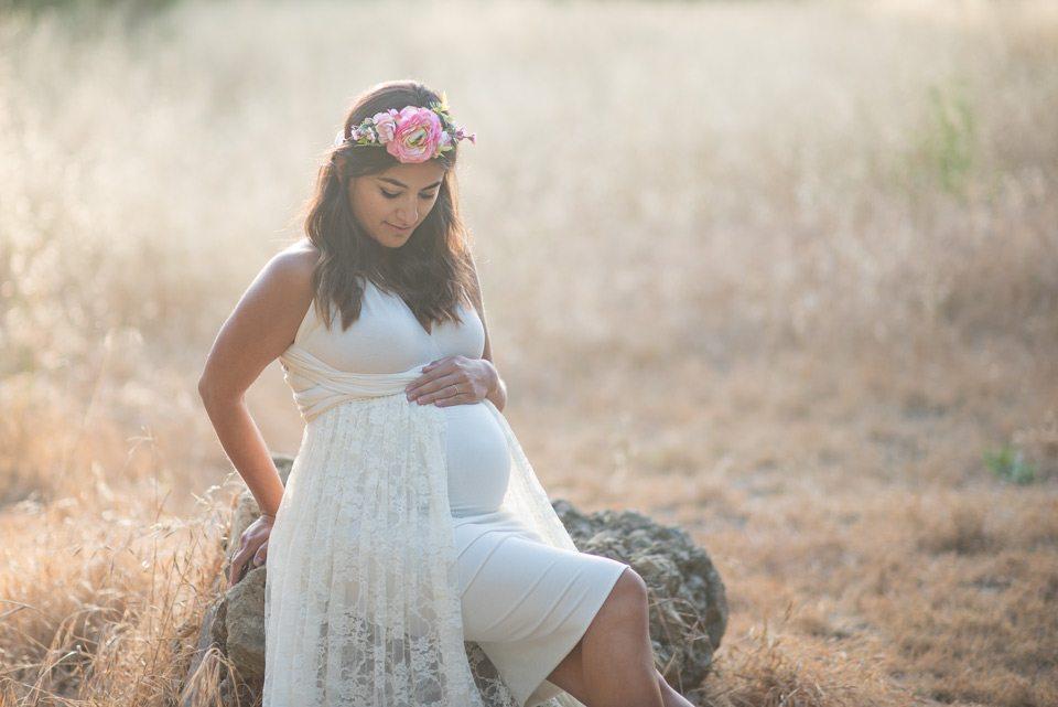 maternity_sitting